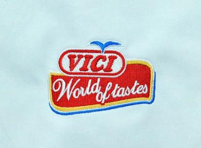 Haft reklamowy z logo firmy Vici