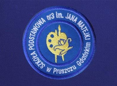 tarcza szkolna haftowana Szkoła Podstawowa nr 3  im. Jana Matejki w Pruszczu Gdańskim